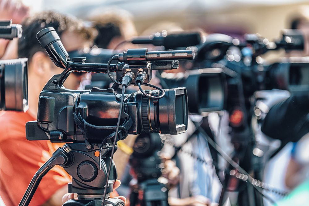 Live Steaming Video Production Service SPORTING EVENTS - MUSIC CONCERTS - CONFERENCES - SEMINARS - RELIGIOUS SERVICES INFOMERCIALS - BUSINESS PRESENTATIONS - WEBINARS - MEETINGS - TRAINING SESSIONS